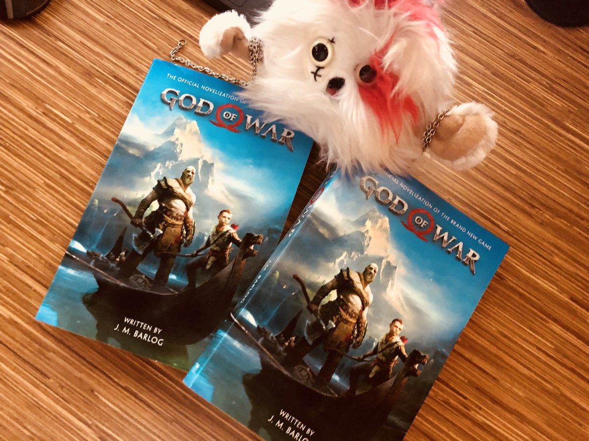 Plushy Kratos just got his early sample copies of the novel that we did with my dad @JMBARLOG and he could not contain his victorious battle scream.  Retweet this so everyone can grab a copy and share their own victorious battle scream picture!    https://www. amazon.com/God-War-Offici al-Novelization-Barlog/dp/1789090148/ref=sr_1_1?ie=UTF8&amp;qid=1534371475&amp;sr=8-1&amp;keywords=god+of+war+titan &nbsp; … <br>http://pic.twitter.com/LuKgxgtlP5 &ndash; à SCE Santa Monica Studio