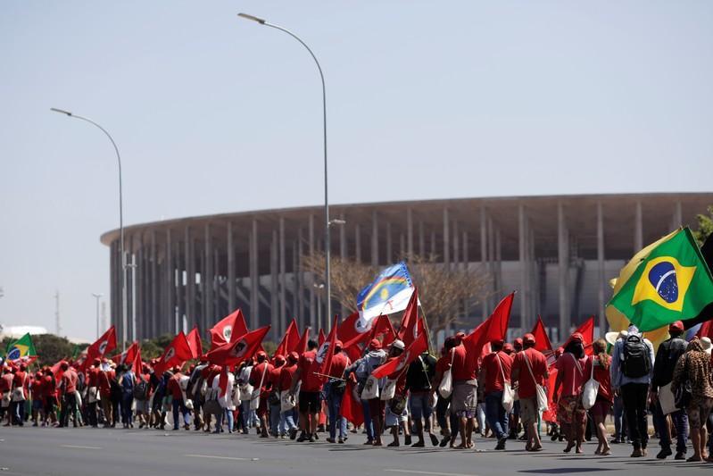 Registrar candidatura de Lula foi ato de soberania popular, diz Haddad https://t.co/tdf8FTyFuG