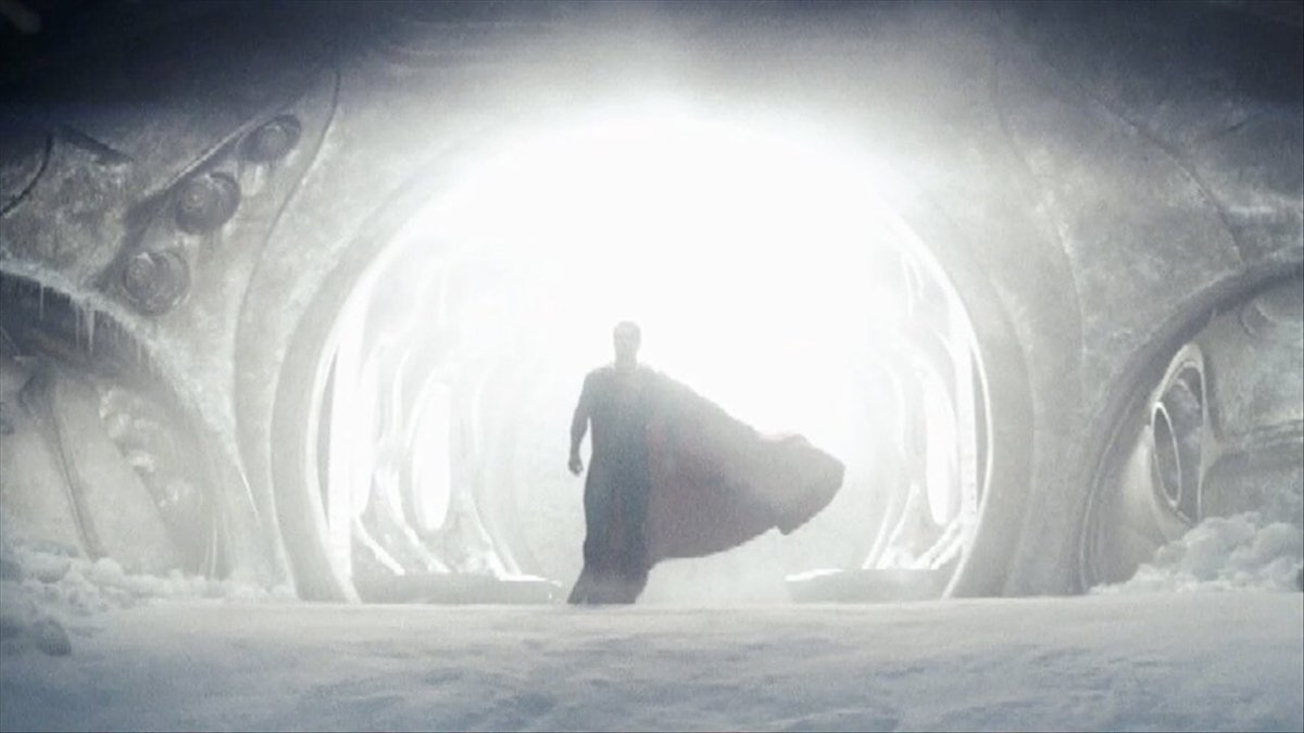 We would've gotten such an iconic flight parallel in Justice League but... <br>http://pic.twitter.com/v4OusnQ0mc