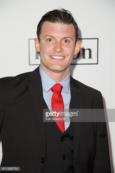 Lets get @DrJamesMercer trending tonight ya&#39;ll! If not already HIT follow and tag a long his amazing journey of making dreams come true for @BrandiRedmond and family<br>http://pic.twitter.com/nMHfQYmptk