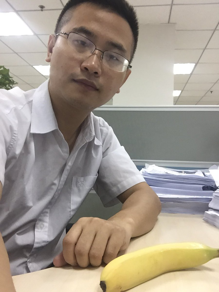Check out my breakfast, a banana ,should I buy lottery everyday, if I can win the lottery ,I&#39;ll be rich,but the possibility is very very low, maybe I shouldn&#39;t buy ,it&#39;s not realistic to win. <br>http://pic.twitter.com/eaQO99TH6l