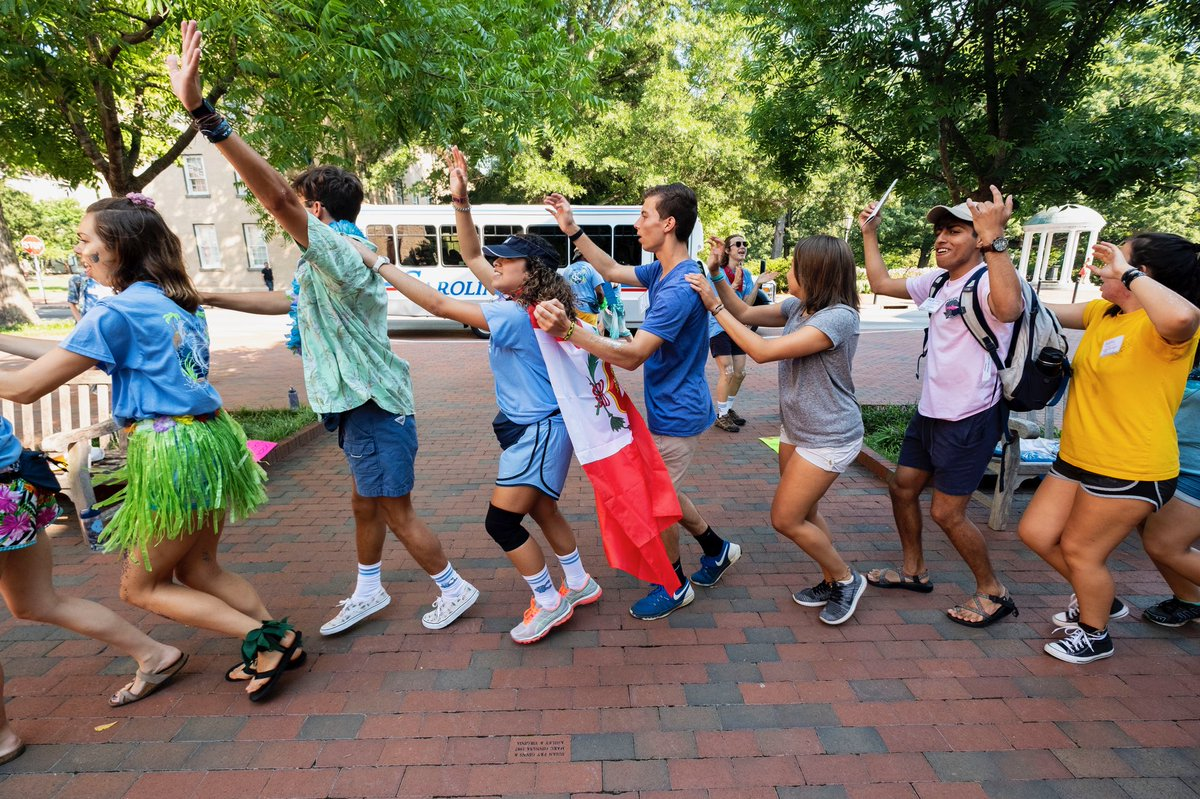Special welcome to our first group of first-years arriving for @CarolinaKickoff today. Excited to have you on campus. #UNC22 https://t.co/8N3QjFlLsQ