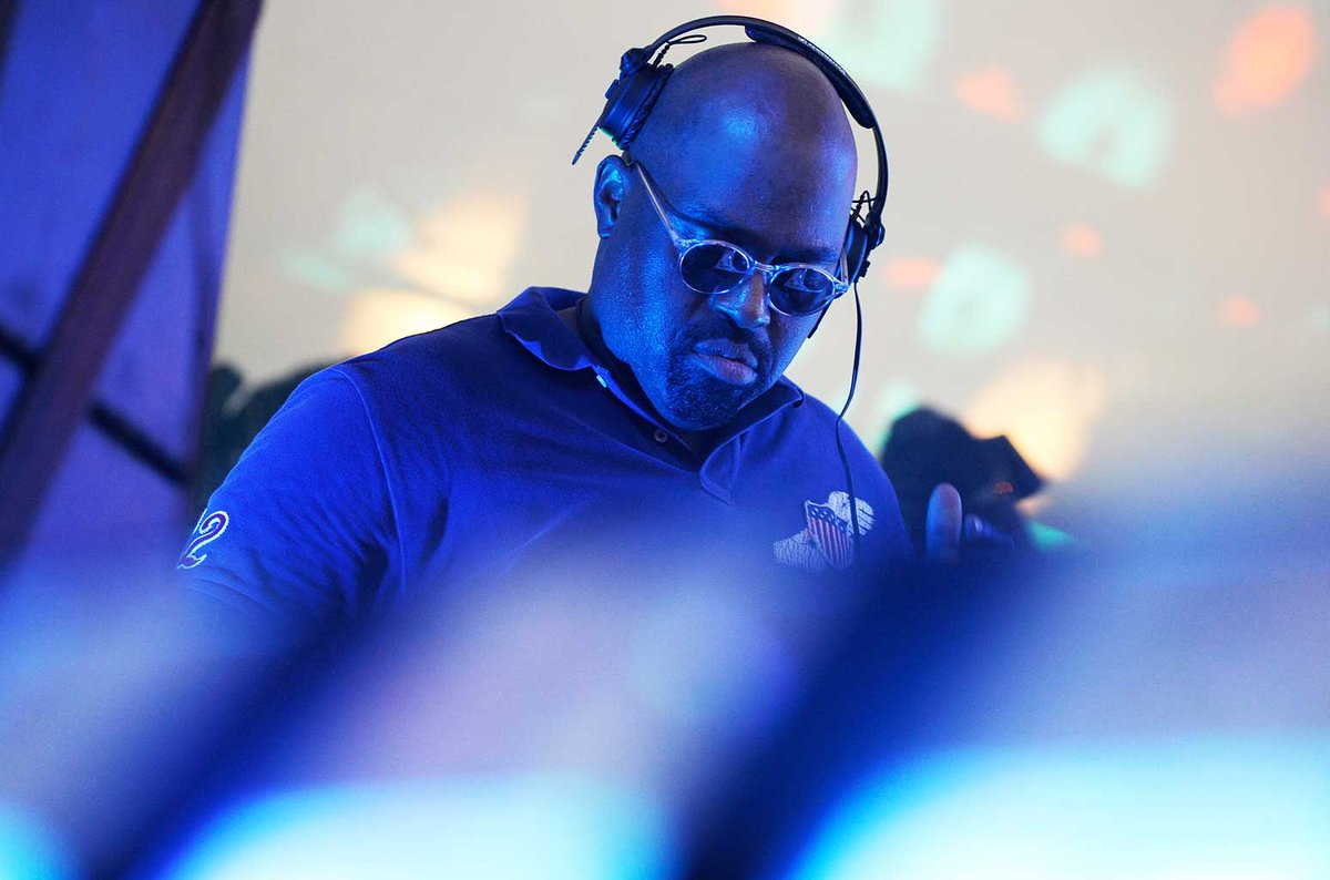 New Frankie Knuckles mural going up in Chicago  http:// blbrd.cm/7qCNg2  &nbsp;  <br>http://pic.twitter.com/1hVsS84gY1