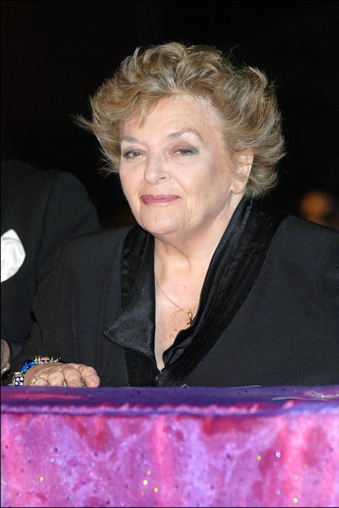 DEP... Muere Marisa Porcel, que tantas sonrisas nos regaló... https://t.co/2Rvvj6f4FC