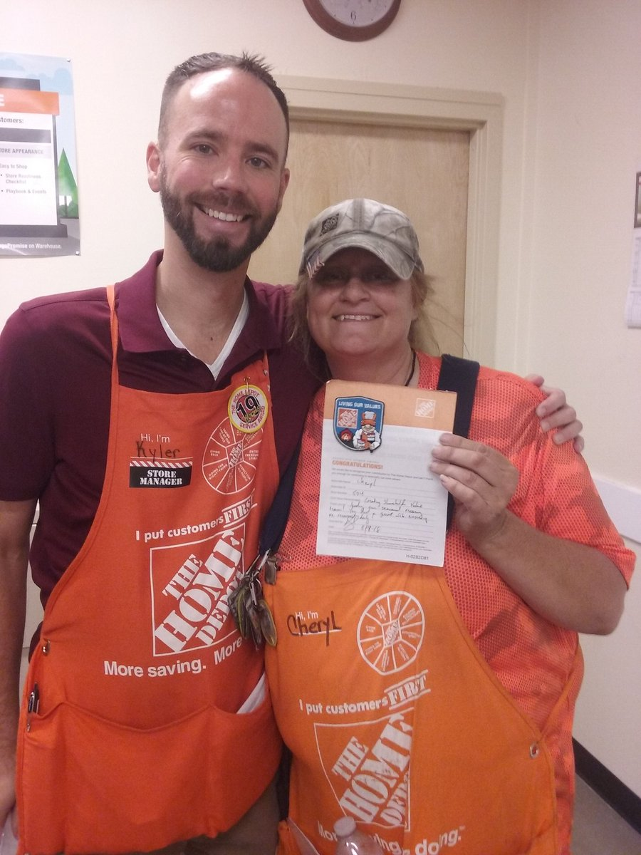 Thank you for taking ownership in garden recovery!!  Your hard work was noticed! #LikeABoss  #BadgerUp <br>http://pic.twitter.com/pfJuUMtfpZ