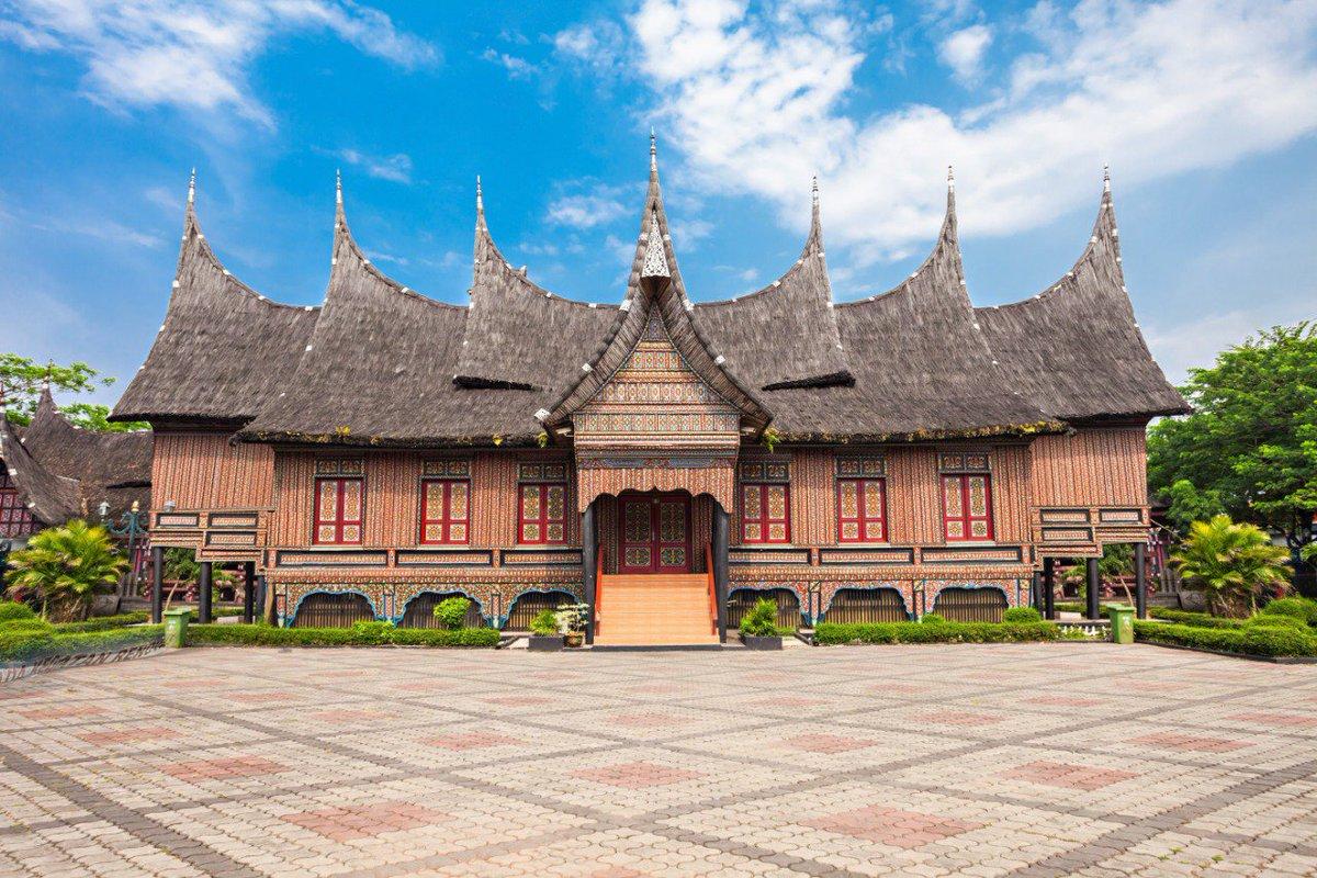 Pesonaid Travel On Twitter Anjungan Diwakili Dengan Rumah Tradisional 34 Provinsi Di Indonesia Sebanyak 150 Koleksi Rumah Adat Bukan Hanya Rumah Adat Anda Juga Bisa Melihat Berbagai Benda Etnografis Milik Suku Suku Yang Ada