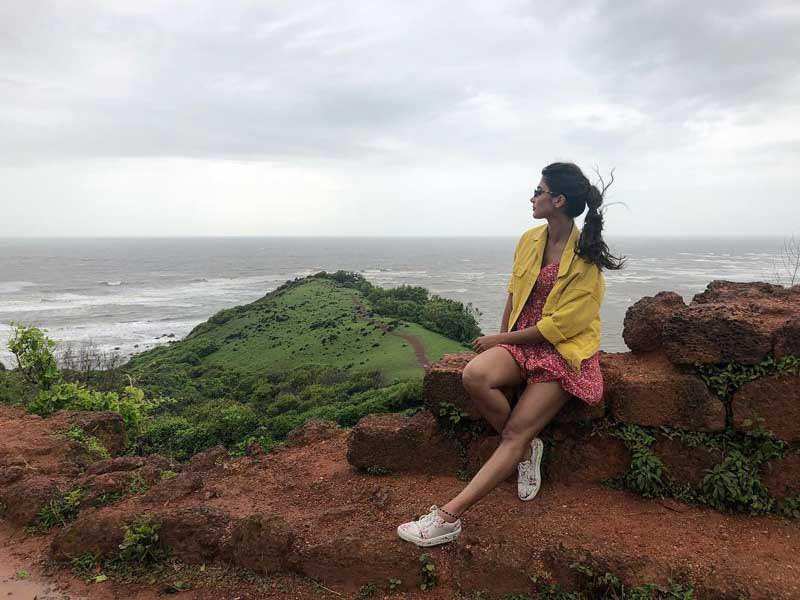 Pooja Hegde shifts to Bolly