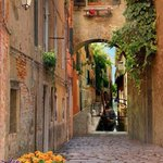 Image for the Tweet beginning: A side street in Venice.