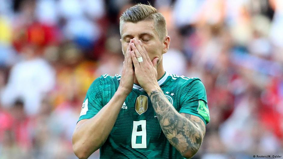 "German football: Against racism!  #Özil: I've been racially targeted  German football: &quot;Exhausting&quot; (Neuer) &quot;Nonsense&quot; (Kroos) ""A myth"" (Rummenigge) &quot;Sorry for your feelings&quot; (Grindel) &quot;No racism talk in the NT&quot; (Müller)  This summer&#39;s failure stretches way beyond the football. <br>http://pic.twitter.com/yvCnWJ1qDD"