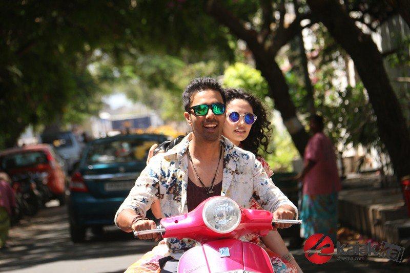 #ArasiyallaIthellamSatharanamappa Movie Stills  More Stills👉https://t.co/6oUTt9fQfa https://t.co/ajyZB7nPd3