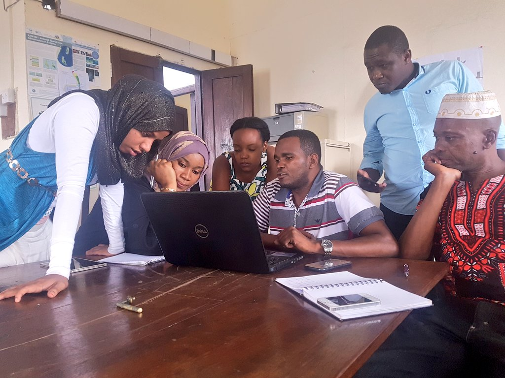 Zanzibar Open Cities Project team meeting at the Commission for Lands  #data #opendata #urbanplanning #teamwork #GIS #gistribe #mapping #Zanzibar<br>http://pic.twitter.com/UMsGfdjsH3