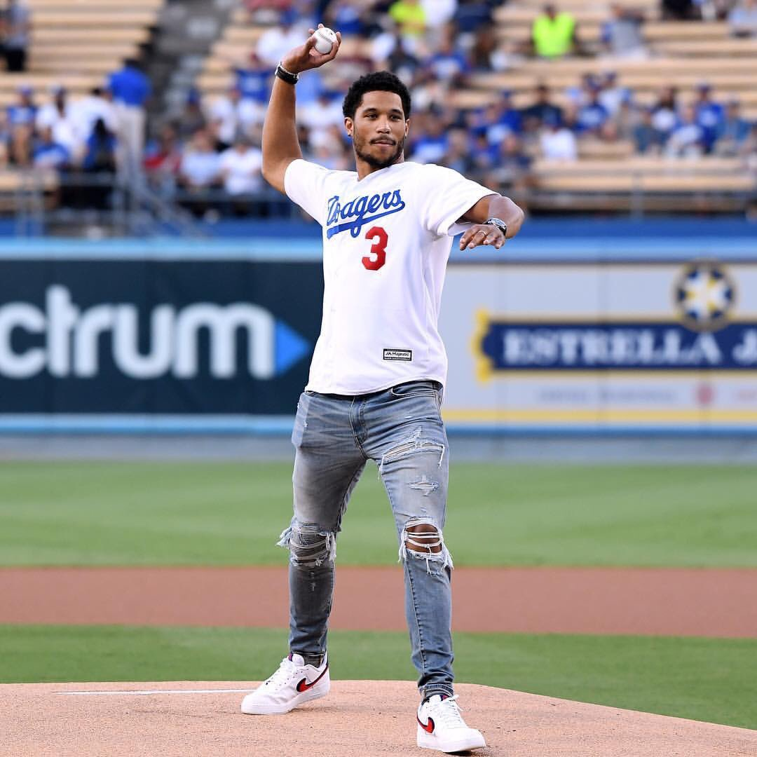 "#SoleWatch: Lakers' @joshhart throws the first pitch in LA wearing the ""Chenille"" Nike Air Force 1 Low. 📸: Harry How"
