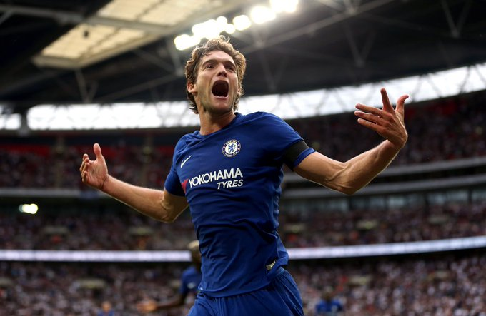 🗞️ According to the Daily Mirror, Marcos Alonso is a reported target for Real Madrid! 👀 🔵 #CFC fans, ! 🤔 Foto