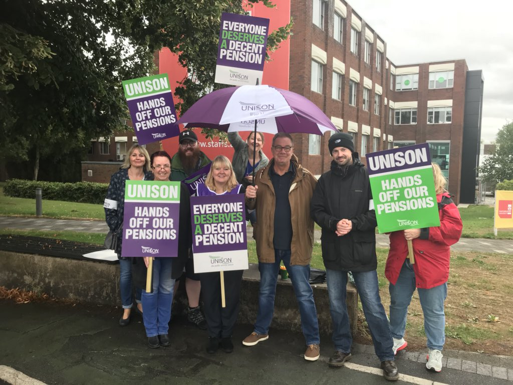 Out on #LeekRoad with @unisontweets defending pensions #Solidarity @brooks_lianne @StaffsUniUnison<br>http://pic.twitter.com/7nb05tZmhv