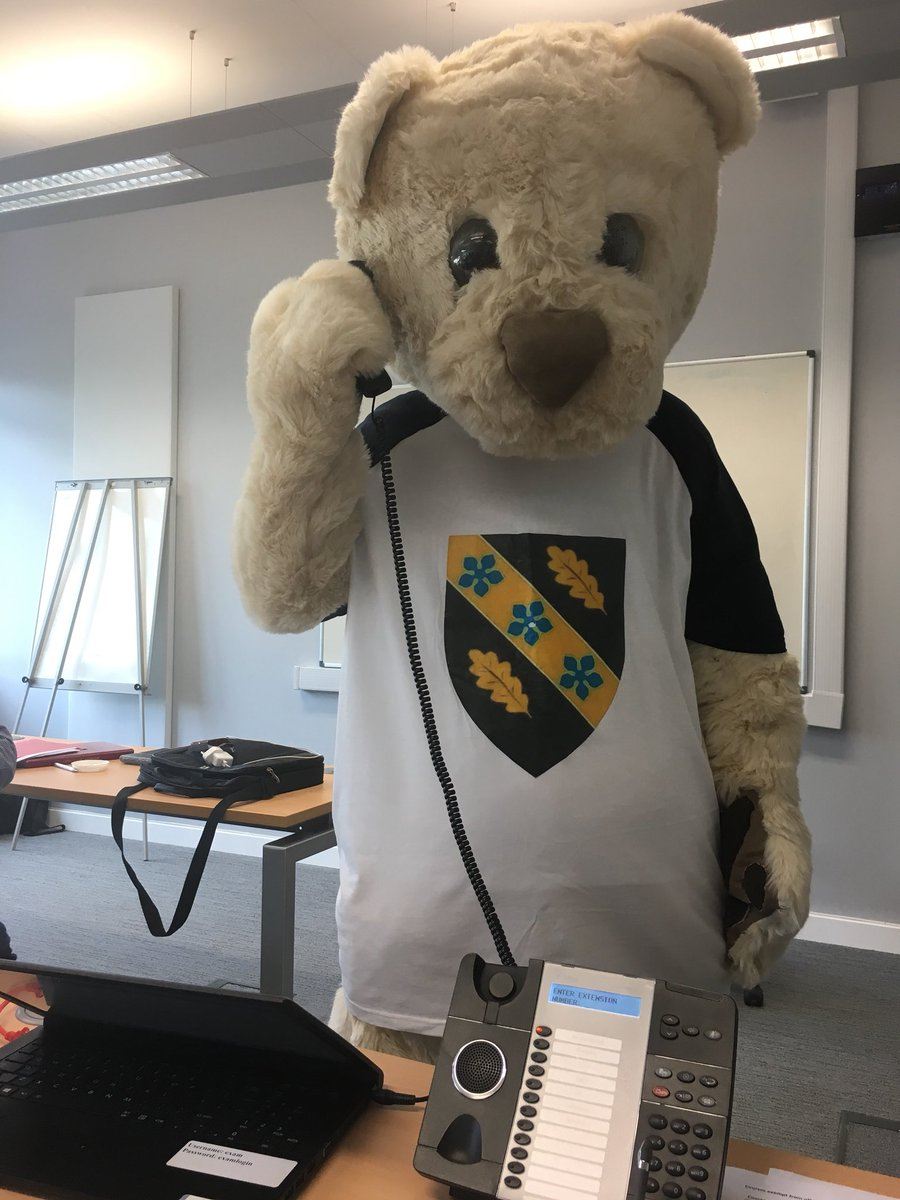 Here waiting to take your call #deio @UWTSDPublicServ @UWTSD @SBS_UWTSD @StudyUWTSD #Clearing2018<br>http://pic.twitter.com/bHbo5y575R