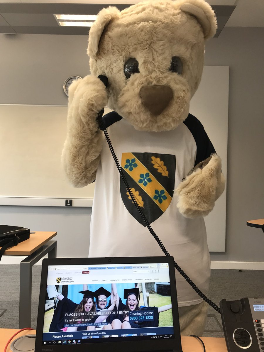 Getting some help in the clearing room, give us a call now 0300 323 1828 #Deio #studyuwtsd #Clearing2018<br>http://pic.twitter.com/0zSgyQY0AE
