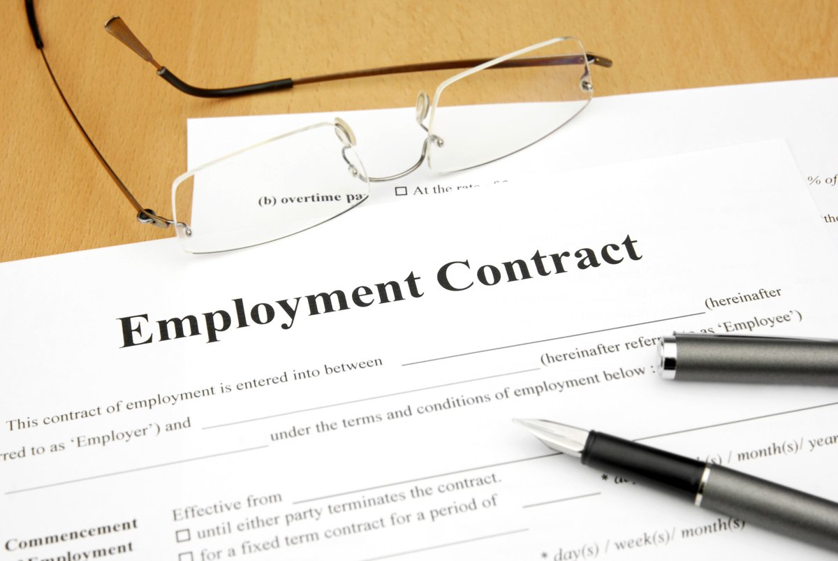 Have you reviewed or revised your employment contracts since the GDPR came in to effect?   https://www. eldirect.co.uk/contract-revie w.html &nbsp; …  #sheffieldissuper #UKSmallBiz #ATSocialmedia<br>http://pic.twitter.com/162WiqyRfP