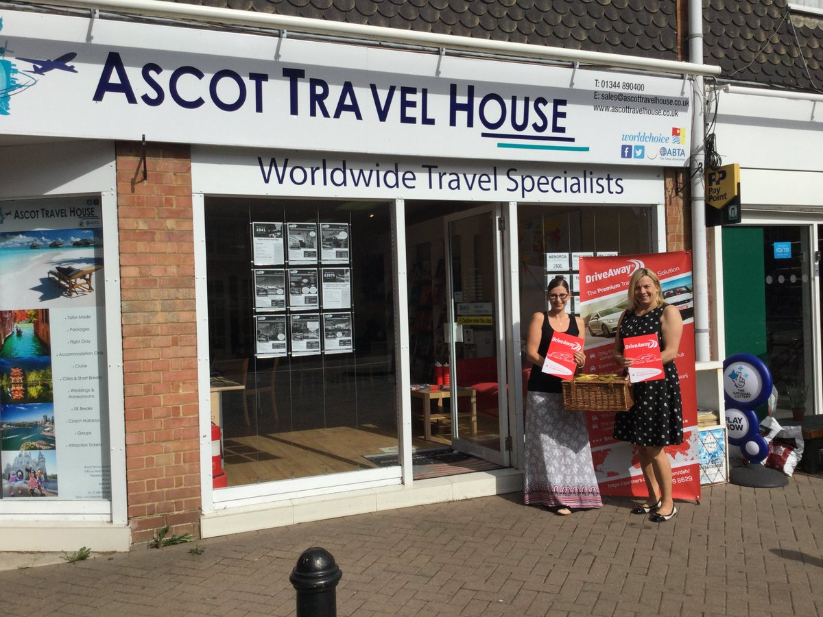 Sarah &amp; Lisa look very pleased with their luxury hamper from Team DriveAway! All they have to do was sign up and log in to win. Thanks @AscotTravHouse for the support and enjoy the goodies #feelingthelove #travelagent <br>http://pic.twitter.com/qTu9CecpYS