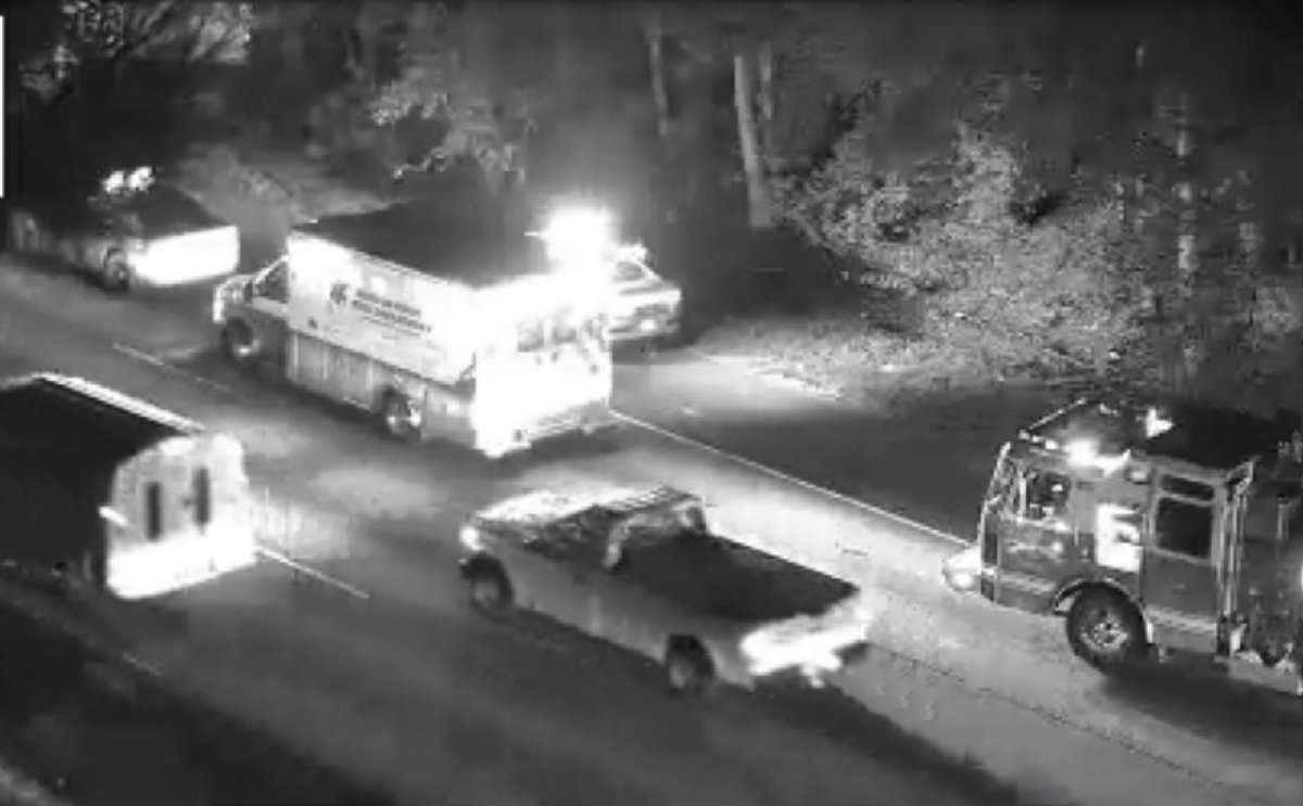 TRAVEL ADVISORY Douglas Co.: Truck off the road...I-20/eb past Fairburn Rd (exit 37), took down a tree thats blocking the right lane. Use 78/Veterans Memorial Hwy as an alternate. #ATLtraffic