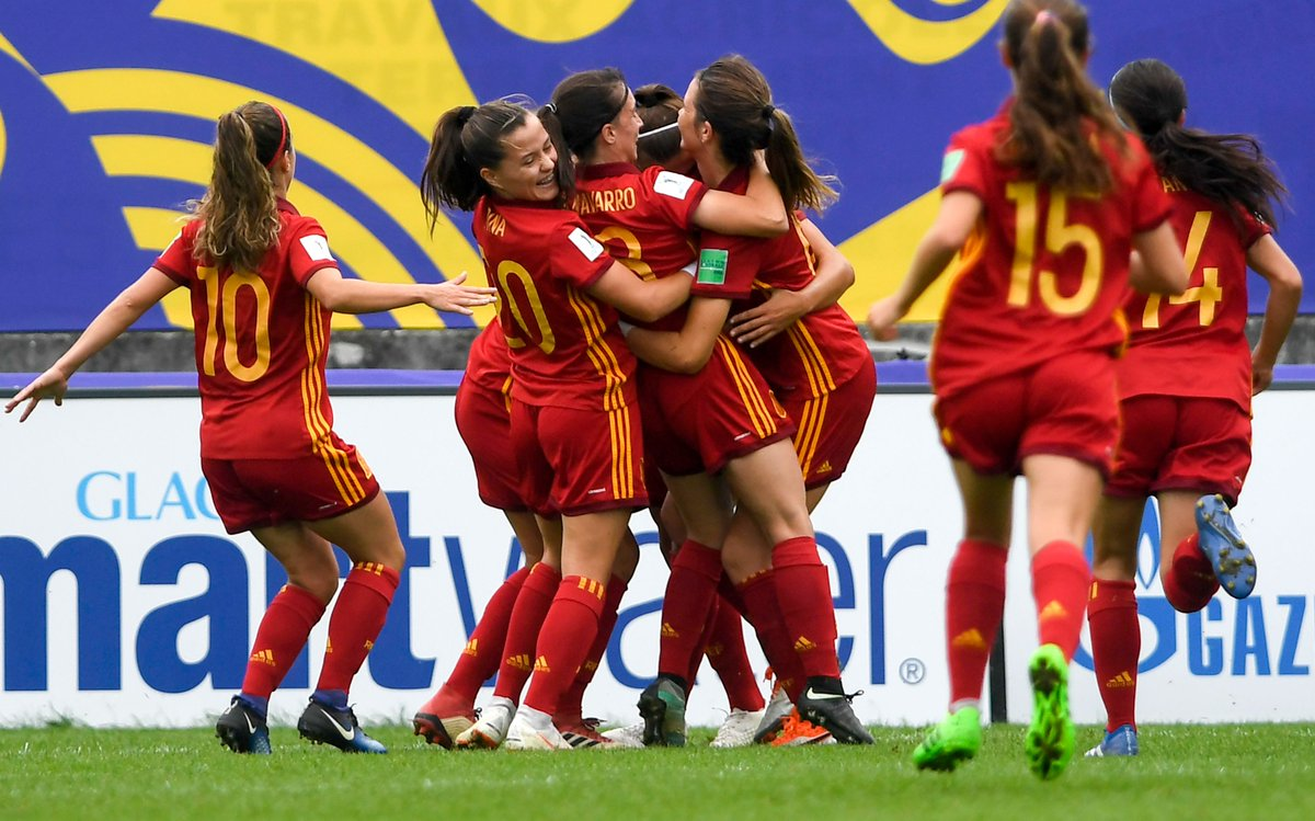 Can @SeFutbolFem&#39;s 1998/1999 generation become the first to win the #WU19EURO then #U20WWC the following year? The @wu19euro2017 champions are into the World Cup semi-finals after beating Nigeria 2-1 - on Monday, Spain will face France or North Korea, who play next  <br>http://pic.twitter.com/va52uSMgsE