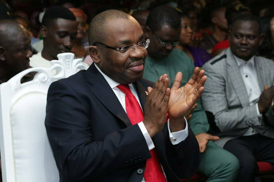 1. In what could be termed as a massive show of solidarity for @MrUdomEmmanuel, Rt Hon Eno Akpan from Ikpot Ikpene Senatorial District of Akwa Ibom State and other stakeholders from the District, yesterday, paid a solidarity visit to the Governor at the Government House, Uyo <br>http://pic.twitter.com/gixzz2hQY6