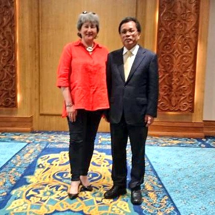Day 4 - #Sabah My call on the new Sabah Chief Minister Datuk Seri Panglima Haji Mohd. Bin Haji Shafie Apdal. Last time we met was a few weeks before #GE14. Fascinating to catch up on all that has happened since &amp; reflect on his priorities for Sabah. <br>http://pic.twitter.com/kf2Nzg5Alo