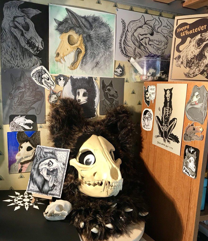Updated Fumi's skull corner! Featuring art by Me, @Crys_the_Hybrid @iezeradd @KtwiszArt @Hellinois @WolfSkullJack @wolfatmydoorart @SlushieCafe and a couple others <br>http://pic.twitter.com/VB5f8VM0vY