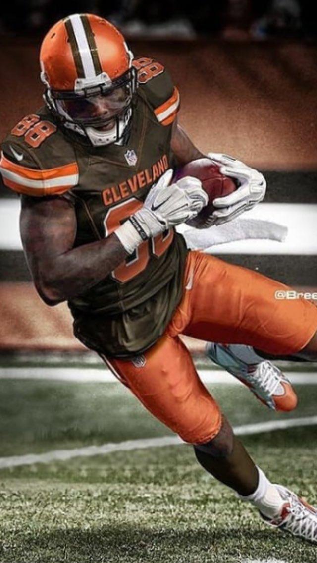 Good Morning @Browns fans ! It&#39;s @DezBryant Day!<br>http://pic.twitter.com/ekumMfa46c