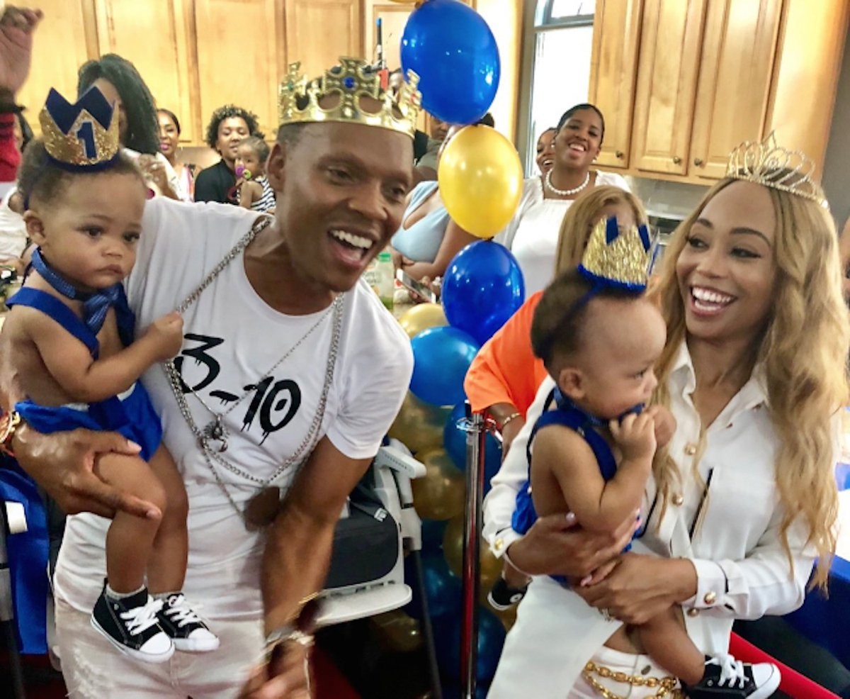 Can you believe New Edition's Ronnie DeVoe and his wife Shamari's twins are already one?!  https://t.co/3blznMVGxL