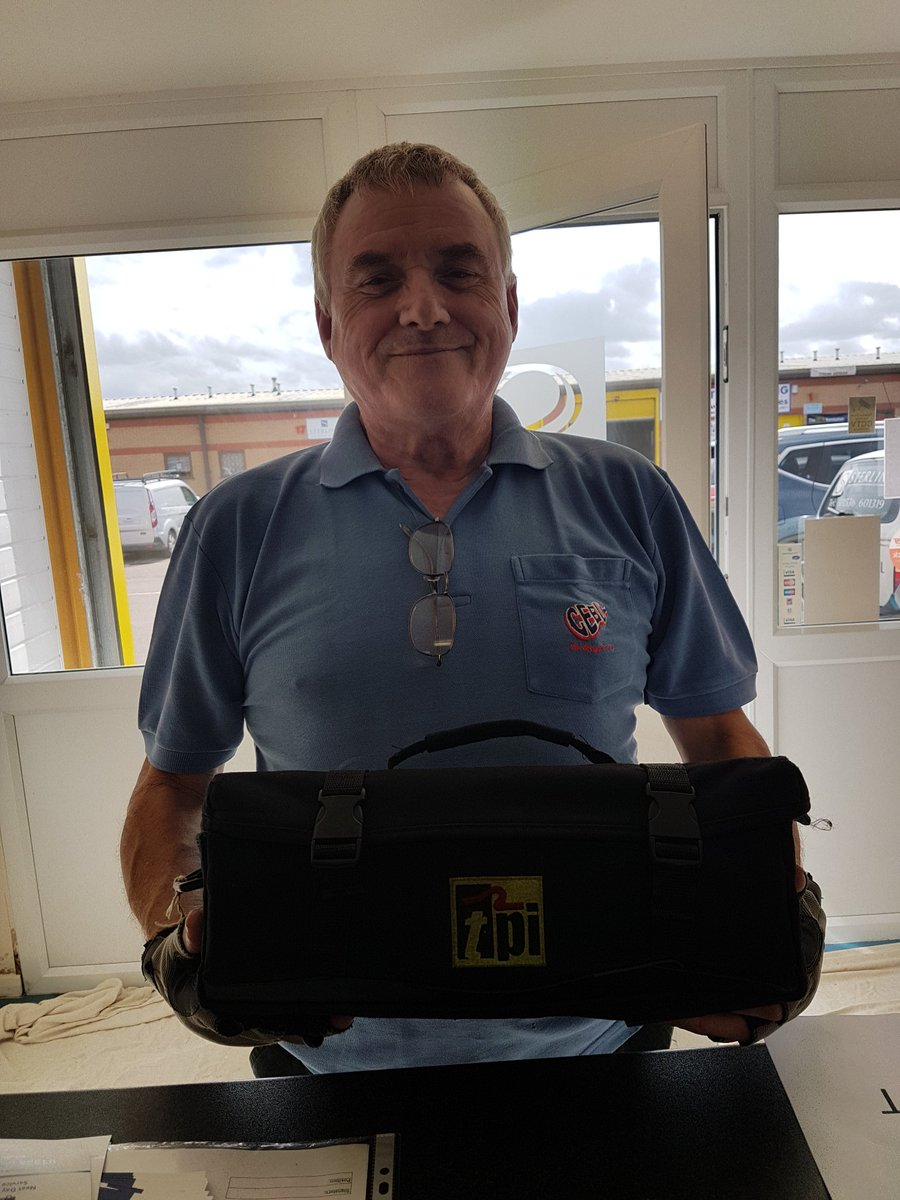 Thanks to @NorthantsPolice for recovering this stolen analyser! We picked it up and made sure it got back to its rightful owner. @Sterling4Gas @TPIEuropeLtd @gasappuk @pbplumber @irbheating @juhearn1<br>http://pic.twitter.com/HAp9P4Fwv9