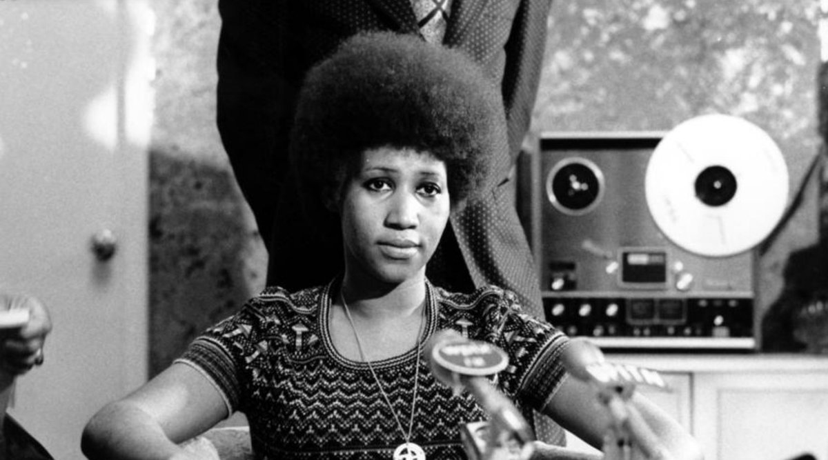 Breaking: Aretha Franklin, who defined an era as the Queen of Soul, dies at 76 lat.ms/2OJ4uJh