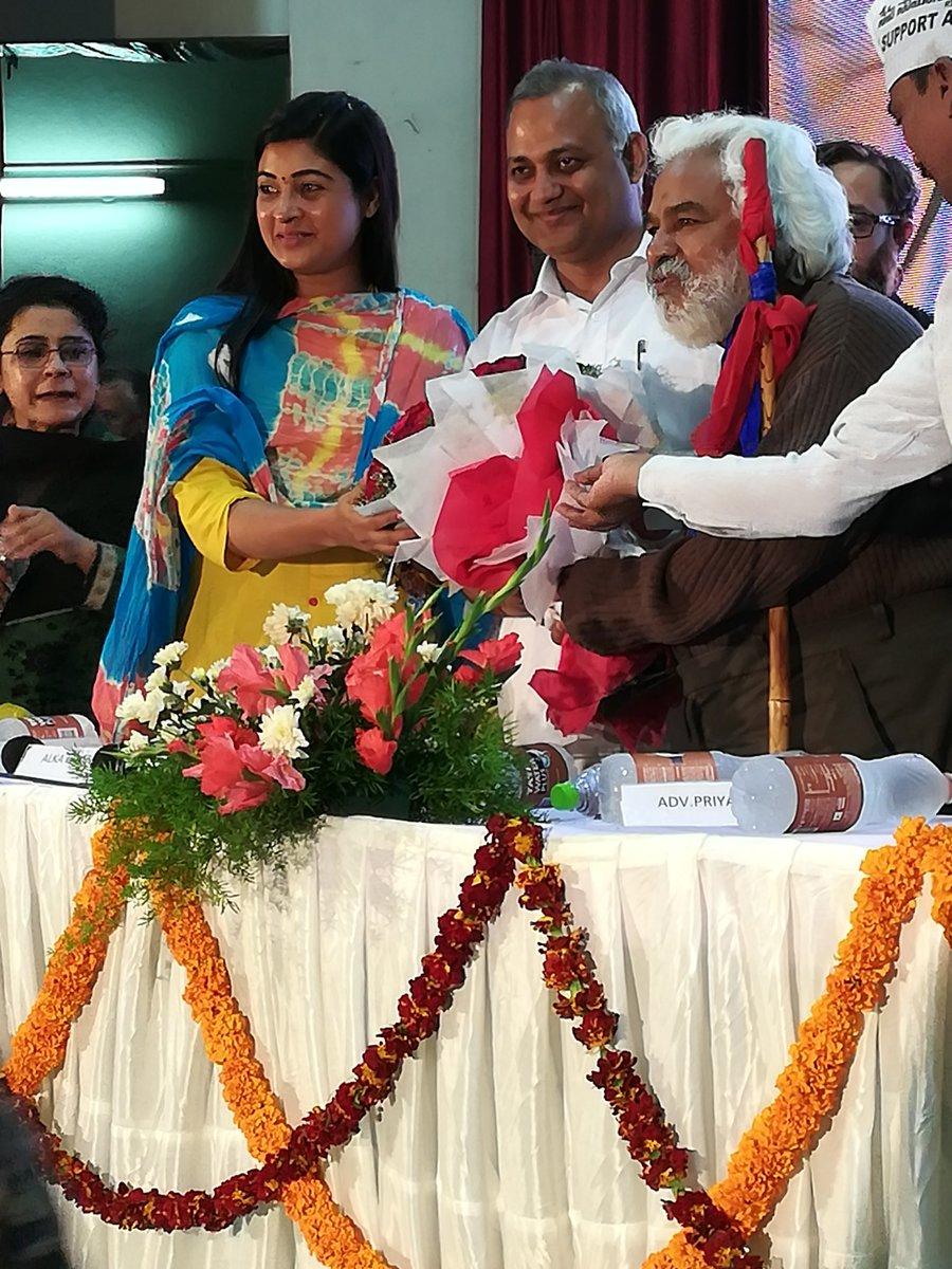 Revolutionary Poet of Telangana, the Legendary Gaddar Anna on stage at #SamanyudiSamarabheri RTC Kalyana Mandapam, Bagh Lingampally, RTC Cross Roads, Hyderabad @attorneybharti @LambaAlka @kavishahnaz @pkakkar81<br>http://pic.twitter.com/sg4hUwMwH2