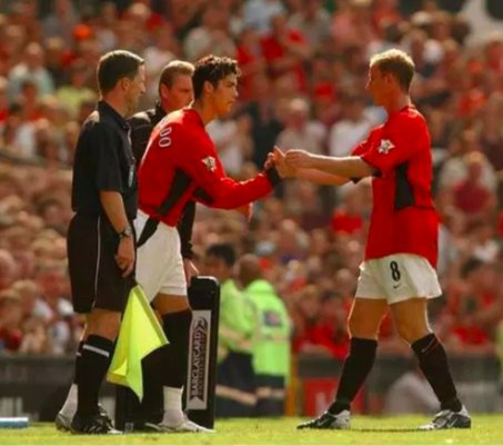 15 Years Ago Today:   @Cristiano Ronaldo made his @ManUtd debut.   292 Games  118 Goals  68 Assists   Premier League  League Cup  Champions League  FA Cup   Club World Cup   Ballon d&#39;Or   All-time @ManUtd great.<br>http://pic.twitter.com/hc86JgI7Ir