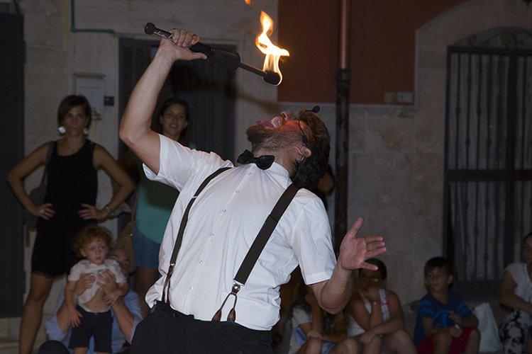 """#Trinitapoli fa il pieno di pubblico per la 2ª edizione di """"#Viandante"""" #eventi #iat #italiaatavola #festa #streetfood #cultura #musica #Puglia #IaT http://dlvr.it/Qg5DBF  - Ukustom"""