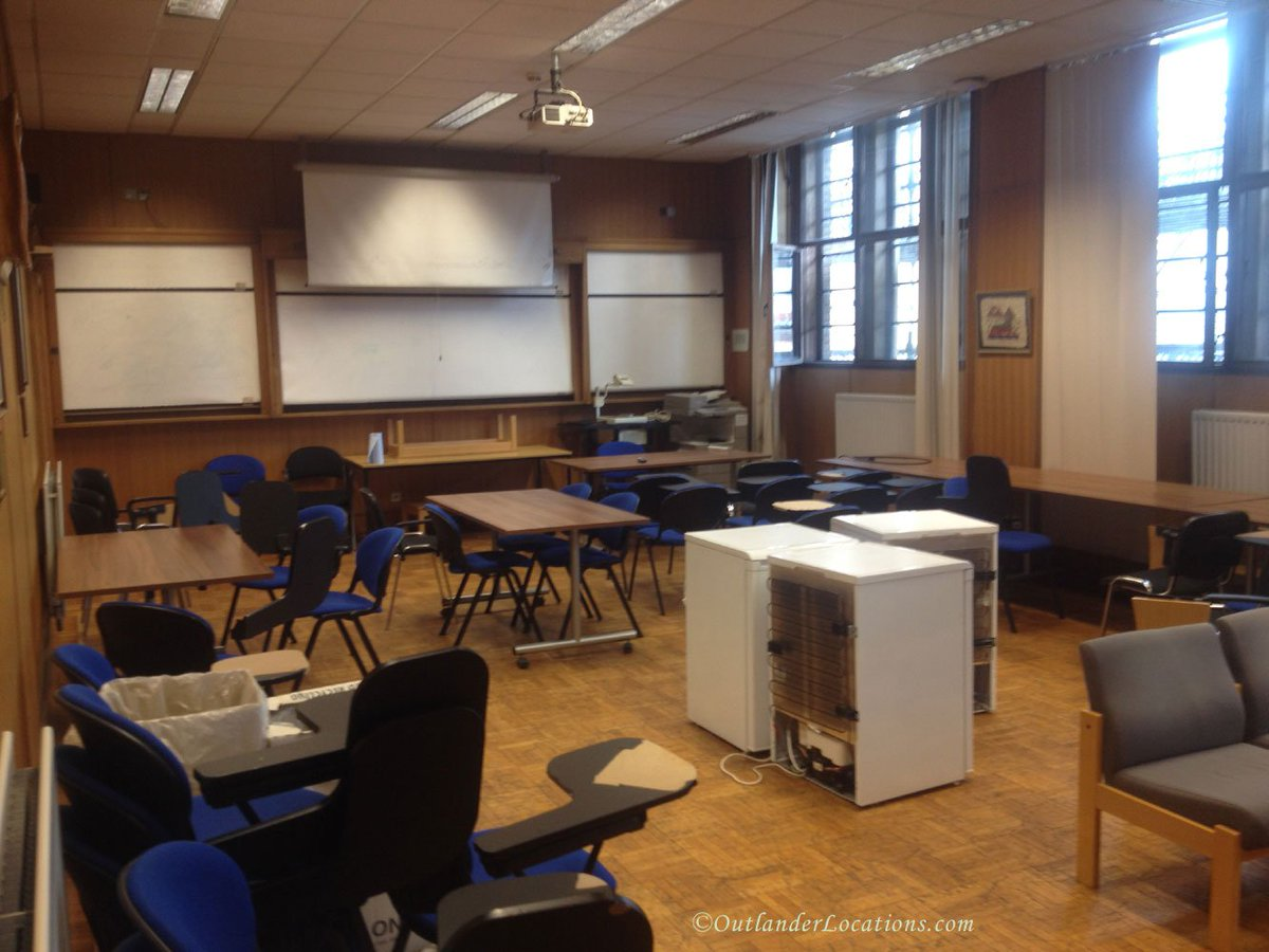 Thanks to our friend, Daniela, we were able to find this gem of an #Outlander filming location. It&#39;s the conference room at Glasgow University that was used in 3.05 for Brianna&#39;s history lecture.  http://www. outlanderlocations.com/locations/univ ersity-of-glasgow-joseph-black-building/ &nbsp; … <br>http://pic.twitter.com/WIhC2HWugB