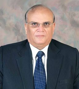 This man Masood Ali Naqvi (Ex Senior Partner KPMG) the main brain behind illegally handing over   of MCB bank to Mansha and Hussain Lawai....this man design the transaction where MCB bank&#39;s very own funds were used to acquire MCB Bank..the real owner of this Bank are &#39;Sharifs&#39;<br>http://pic.twitter.com/fp36DL7kEp