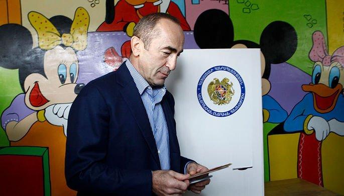 Экс-президент Армении анонсировал возвращение в политику https://t.co/OPo1wgDyTi