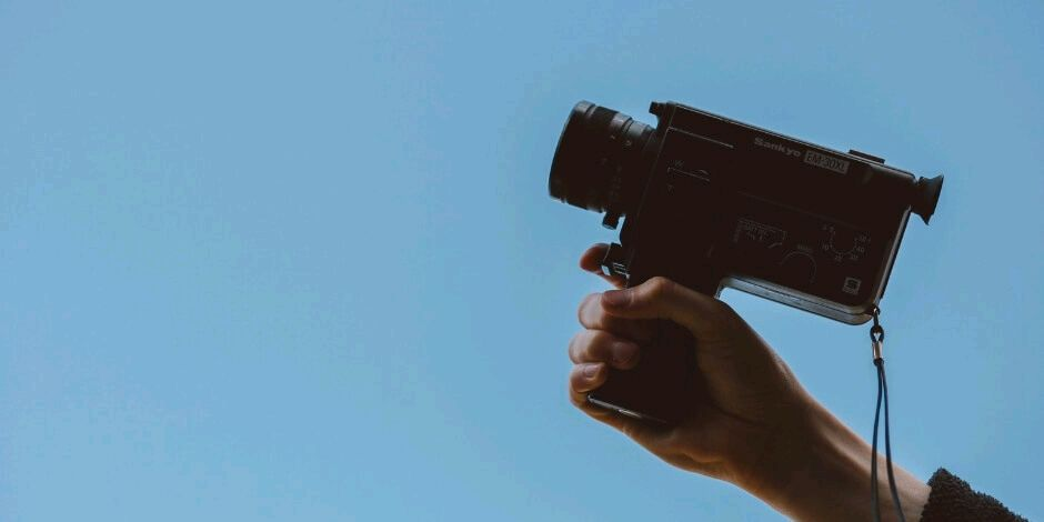 The Complete Guide to Social Media Video Specs in 2018. #SMM #videocontent   https:// buff.ly/2myVvhA  &nbsp;  <br>http://pic.twitter.com/klqDiXF2Kn
