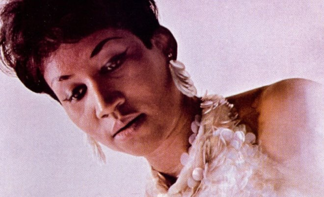 Rainha do soul, @ArethaFranklin morre aos 76 anos https://t.co/fWYf6QUzQ3