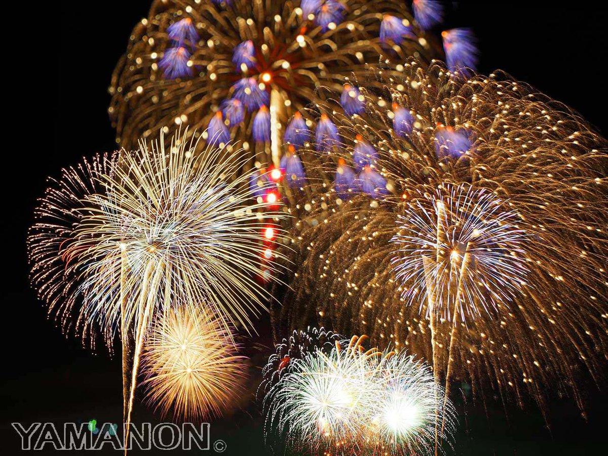 浅川の花火