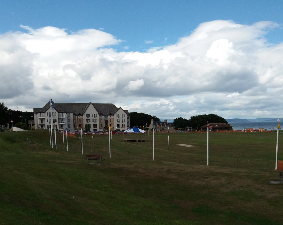#Nairn Highland Games Showground and the Carnivals all ready for Saturday if your in the area come along it&#39;s a Great Day Out  <br>http://pic.twitter.com/zoSFZxhit7