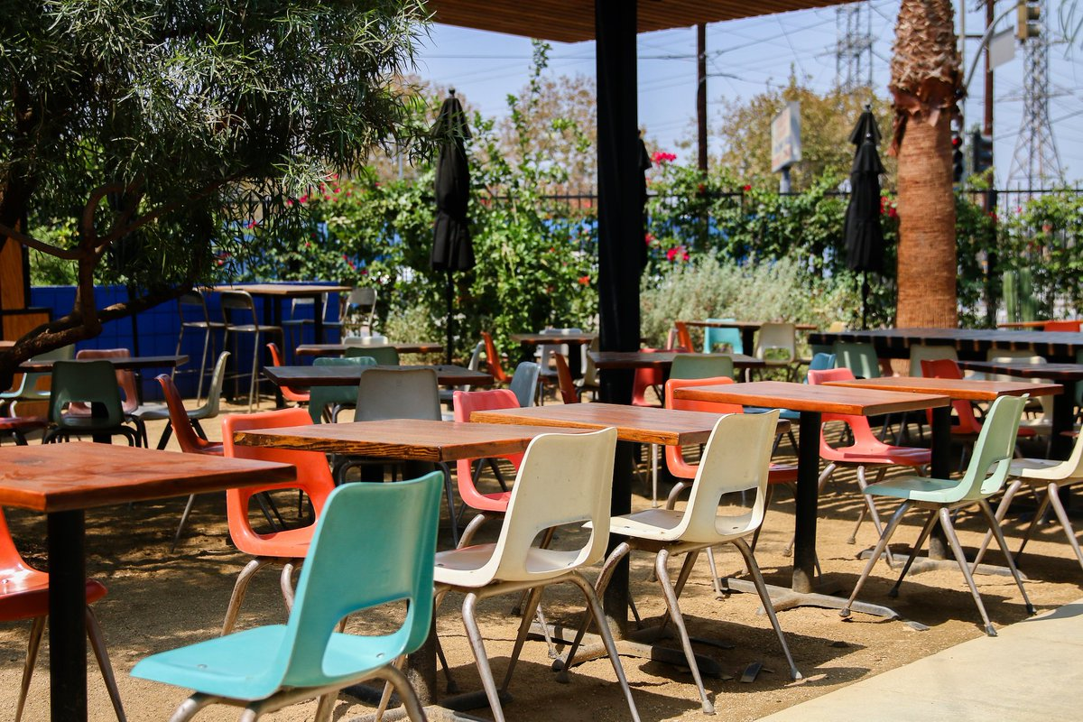 Where to eat outdoors in LA: bit.ly/2nMb2uV