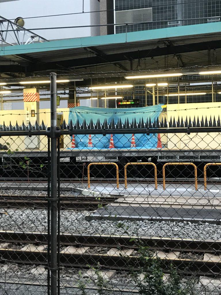 渋谷駅で不審物が見つかり爆発物処理班が出動している画像