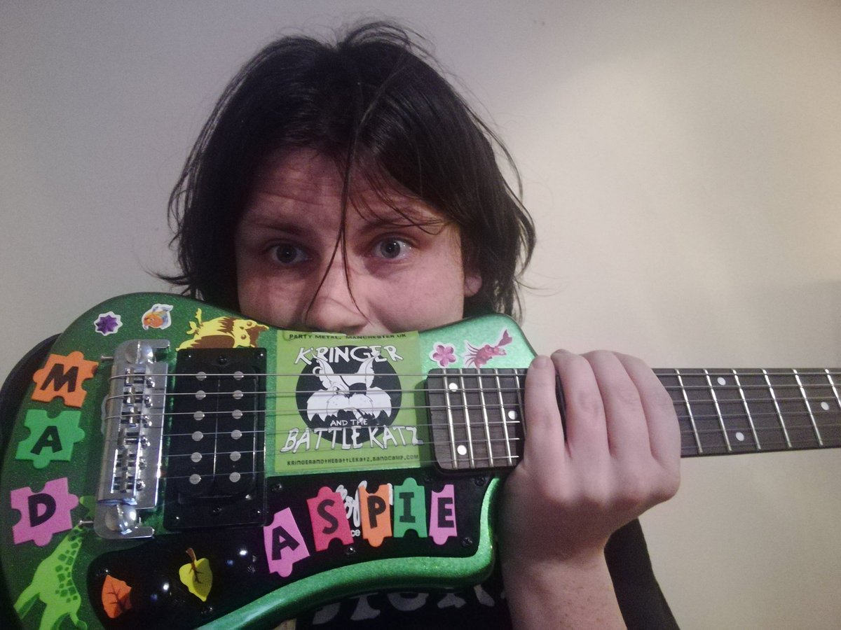 So I accidentally left my guitar on a @megabusuk last night. Was travelling from Glasgow 7:20pm bus to dundee. Quite heart broken as this previously taken photo suggests. I miss it already. If you see it give me a shout. #travelwoes #madaspie<br>http://pic.twitter.com/f3flraQOHi