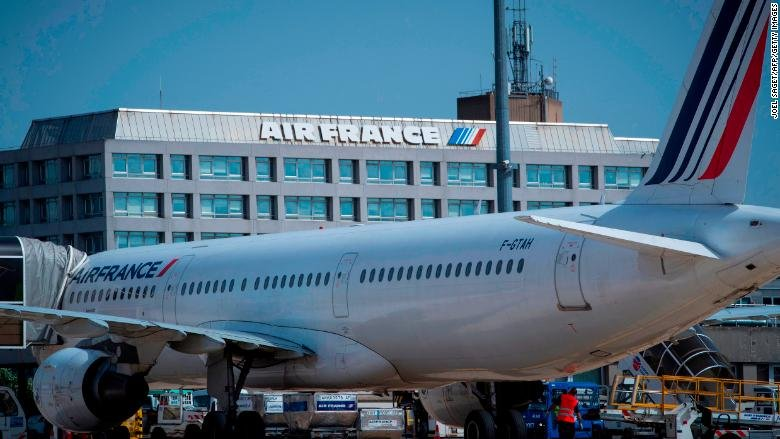 The next CEO of Air France might not be French. French unions say that's 'inconceivable' https://t.co/Kvr9sy7Ysa
