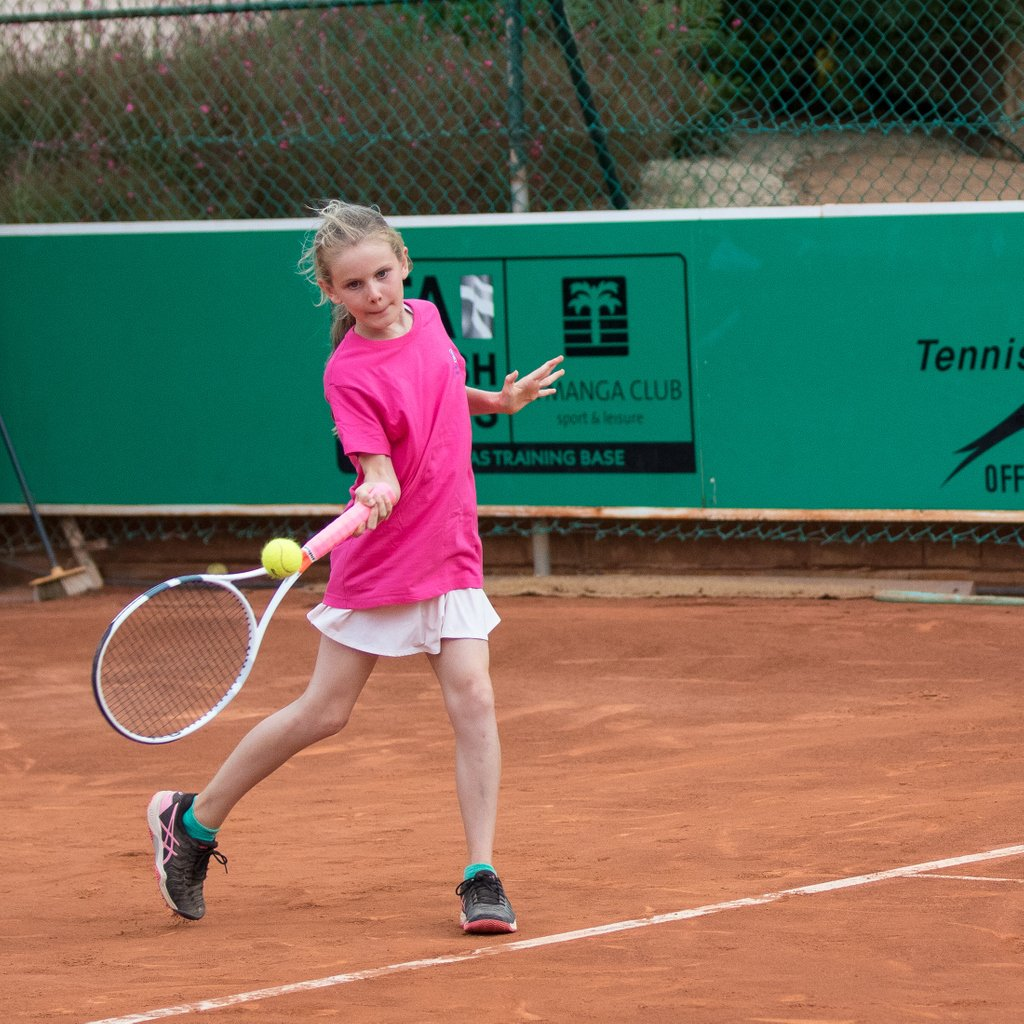 Tomorrow at 7pm @LaMangaClub will need some ball kids for the #tennis exhibition as always. You might even play in front of the crowd if you get lucky! #lamangaclub #murcia