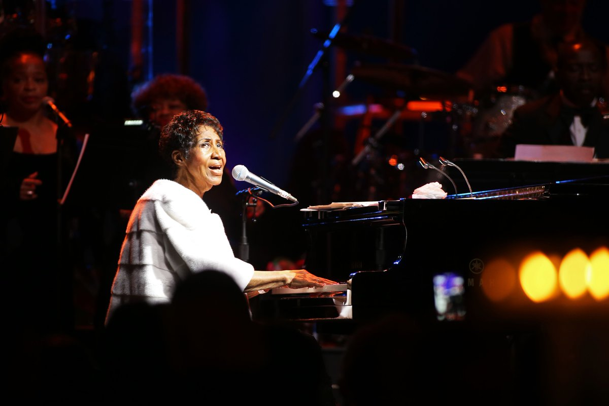 Elton John pays tribute to #ArethaFranklin: 'The loss of @ArethaFranklin is a blow for everybody who loves real music: Music from the heart, the soul and the Church. Her voice was unique, her piano playing underrated – she was one of my favourite pianists' https://t.co/6soPXWmI4O