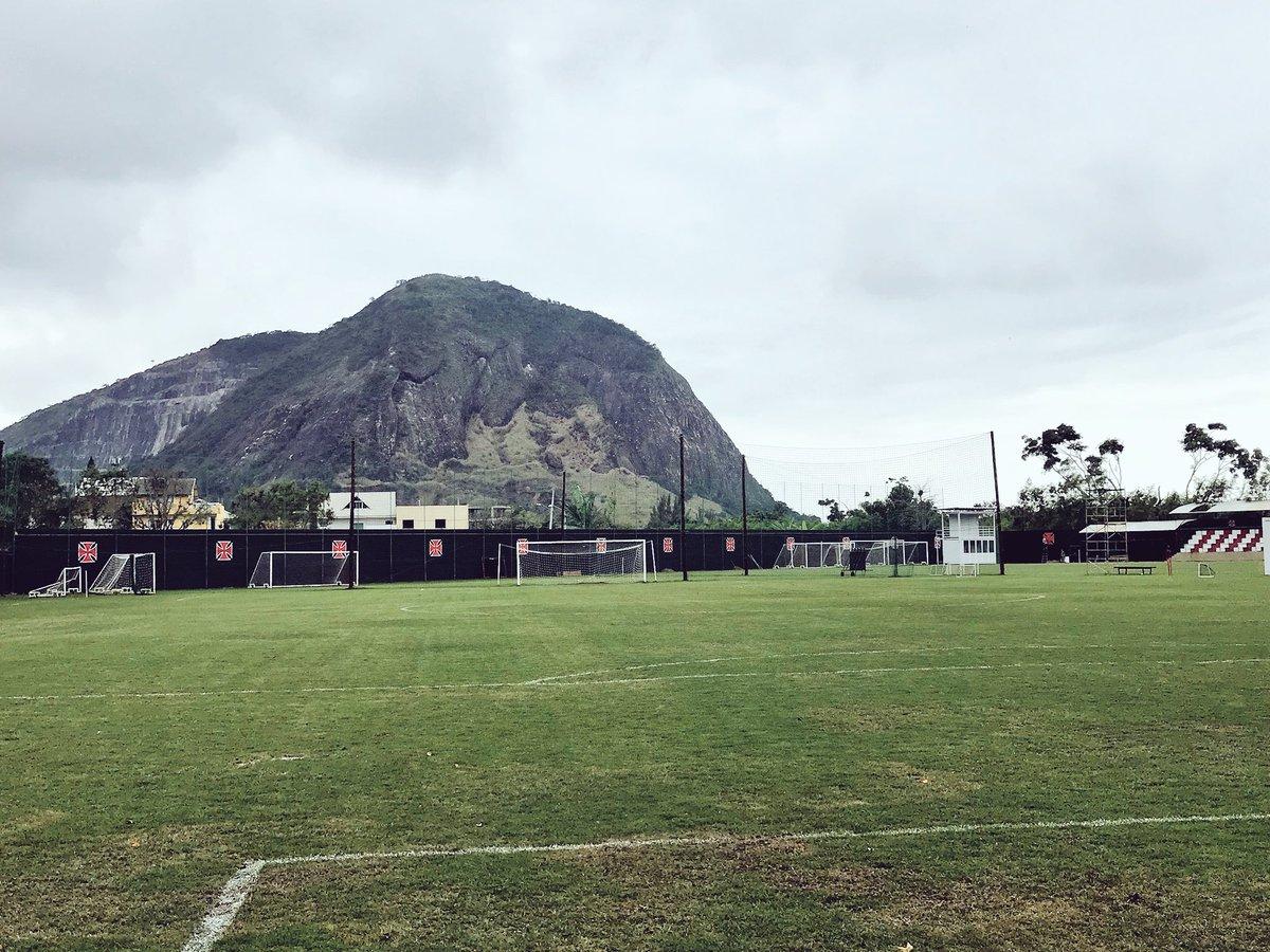 Já estamos no CT do Vasco da Gama para o treino de daqui a pouco! 💪🏽⚽️🇪🇪 #VamosTricolor