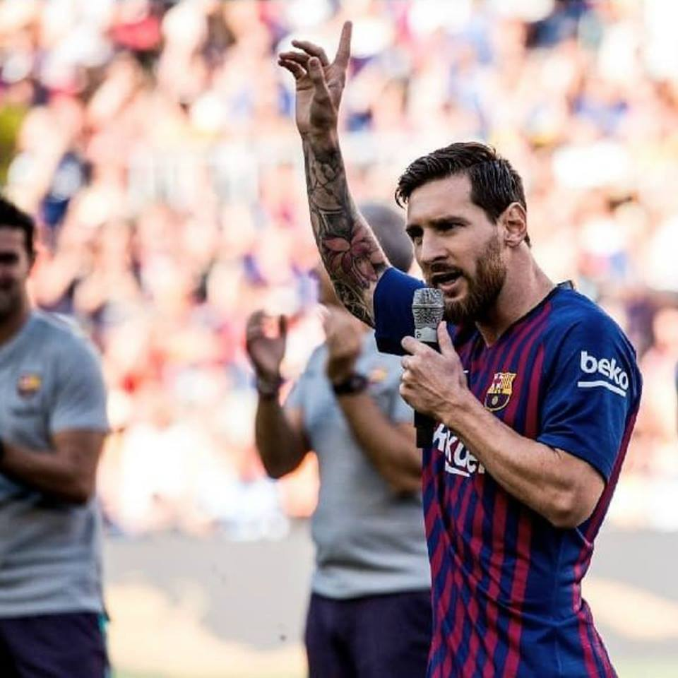 After Messi promised that he and his teammates will do everything to win UCL, 99% Barça fans are optimism and believed that Messi and co will bring The Uefa Champions League trophy back to Camp Nou.  #InMessiWeBelieve<br>http://pic.twitter.com/1fFv7tIqeg