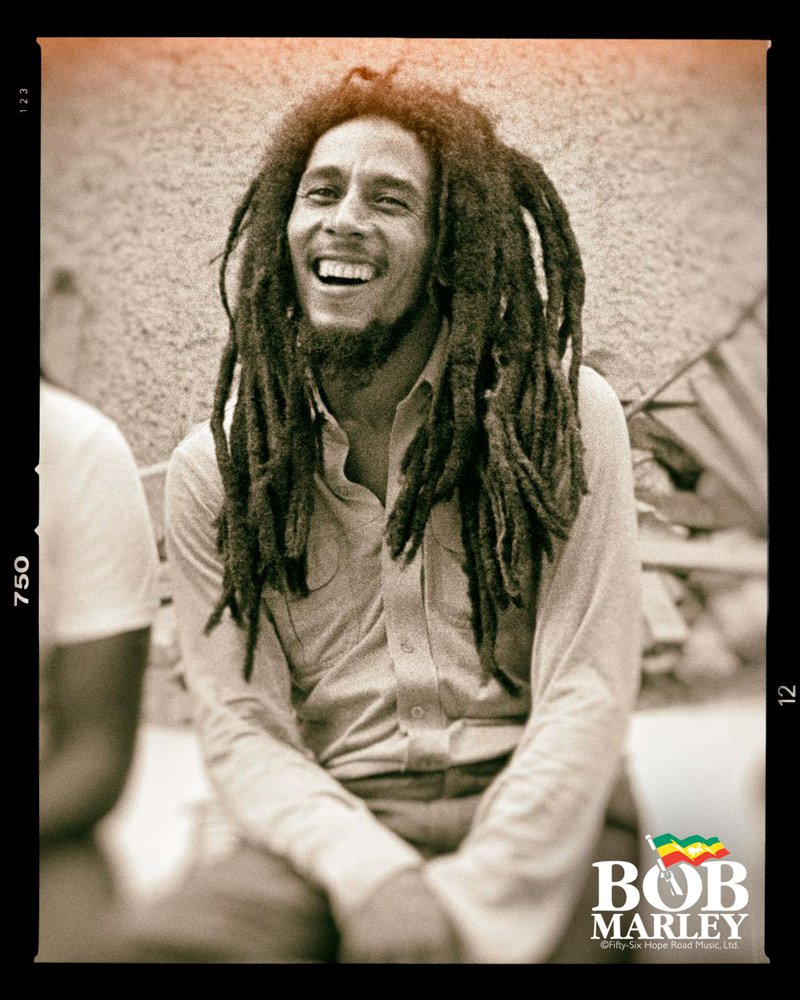 All smiles as the #SummerOfMarley keeps on groovin @amazonmusic! Stream our Best of #BobMarley playlist today... 💚💛♥️ 🎵🎶 smarturl.it/summerofmarley 🎶🎵